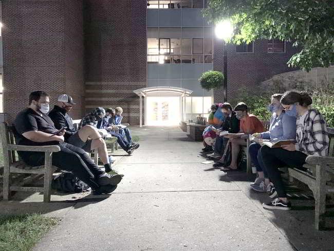 Gordon College bible study prayer worship groups